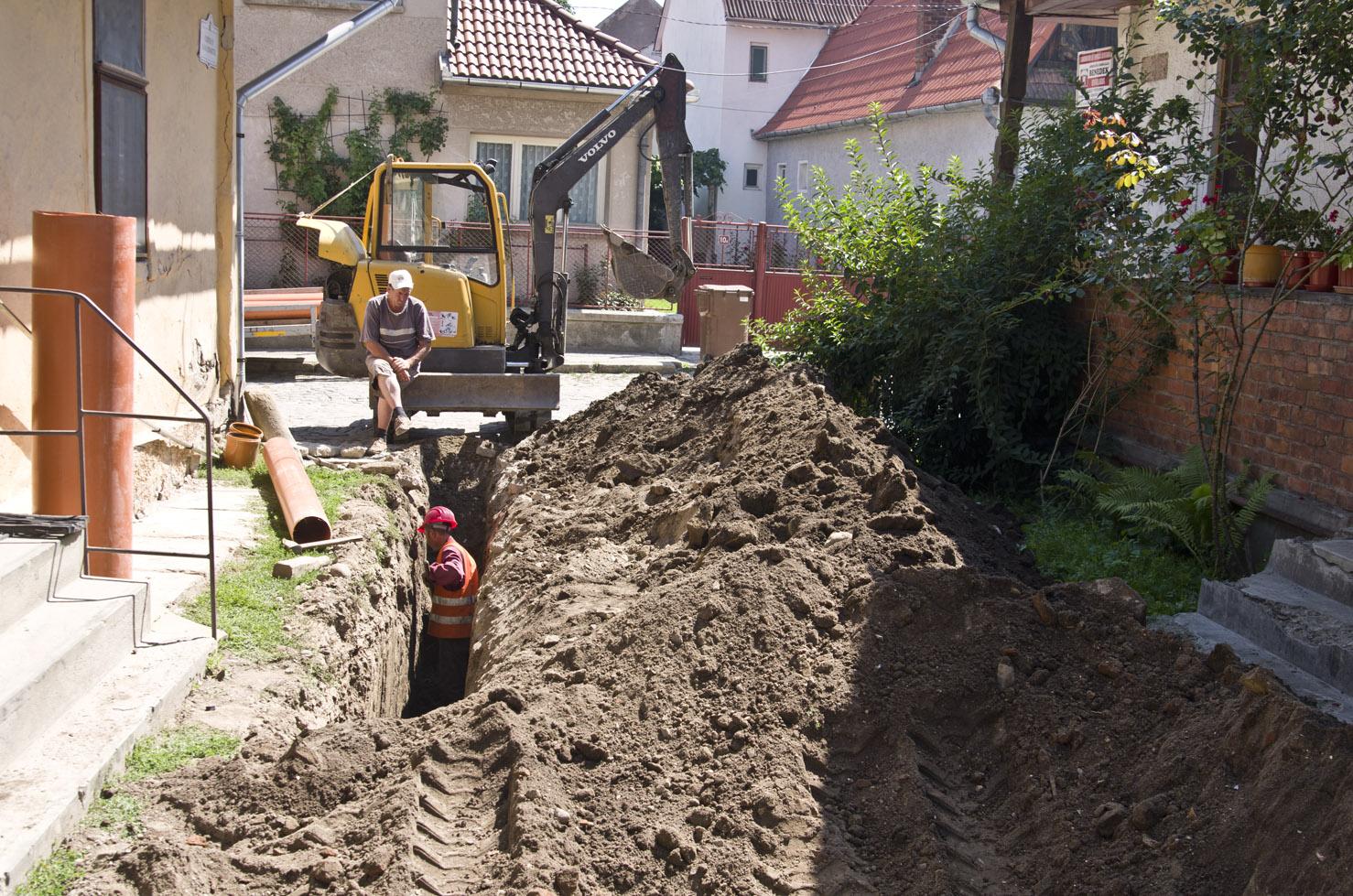 Újabb utcákban újul meg a víz- és csatornahálózat