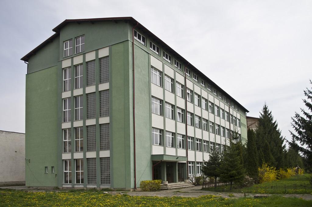 Gabor Aron iskola_TL_01