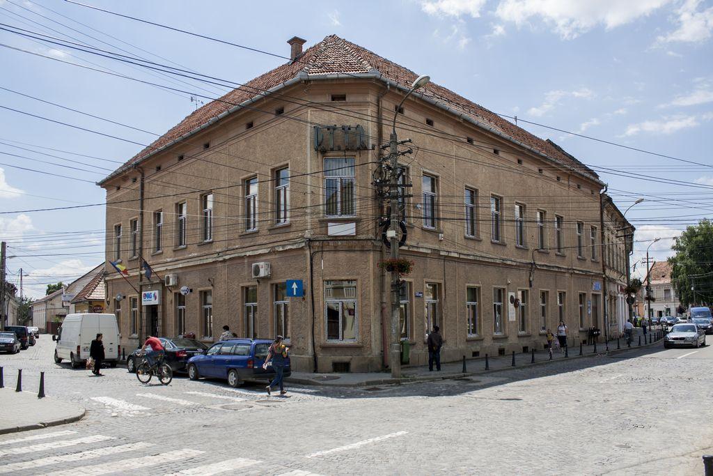 Megújul a posta épülete