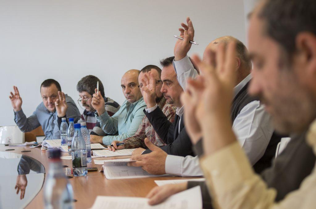 A fost votată noua salarizare a angajaților administrației locale