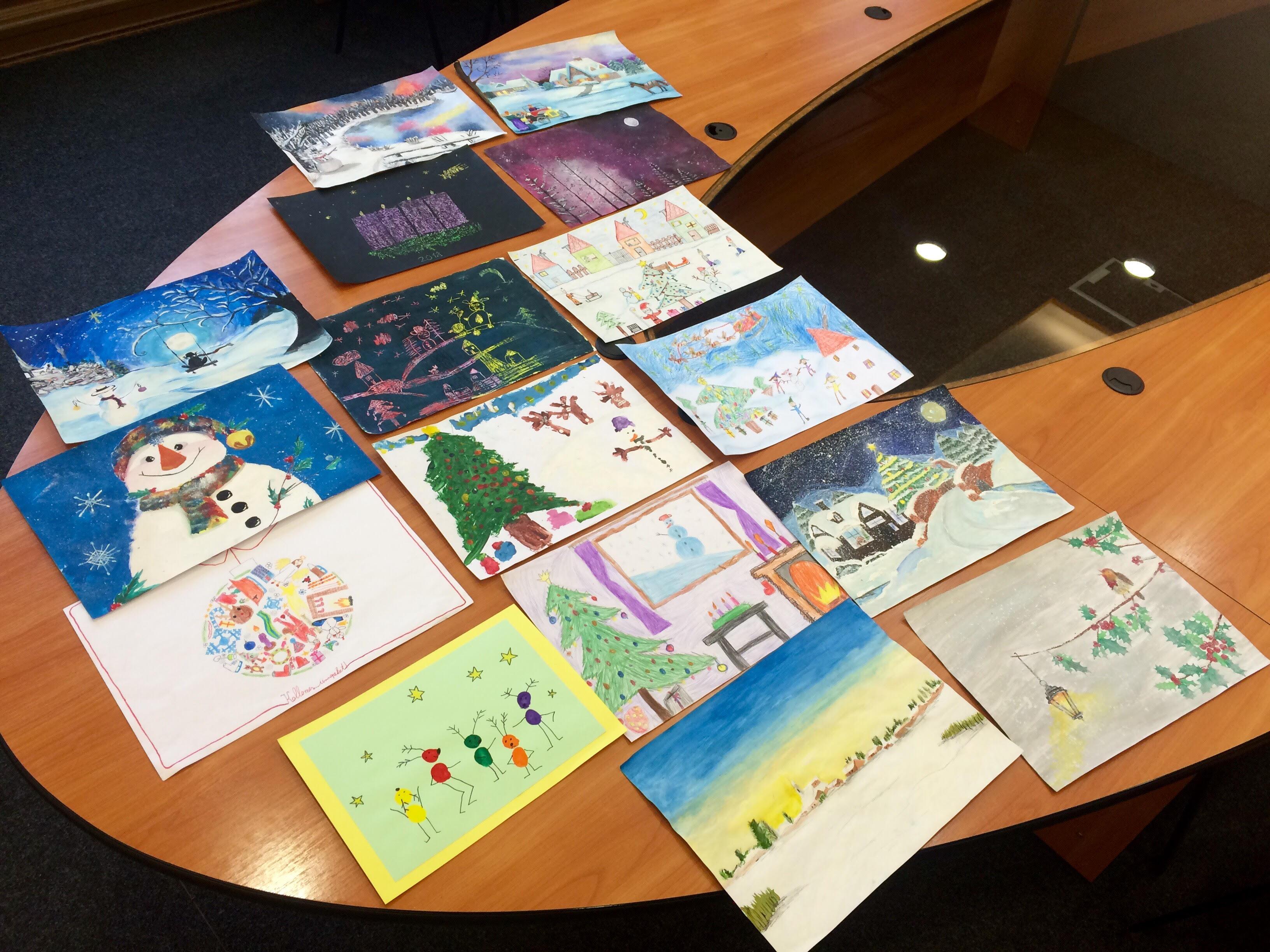 Diákok rajzai díszítik majd a köszöntőket