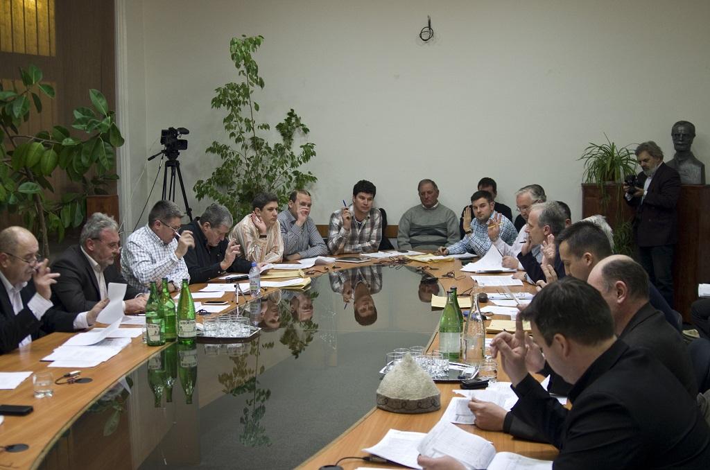 Januári tanácsülés: Tanügyi átszervezésről is döntöttek