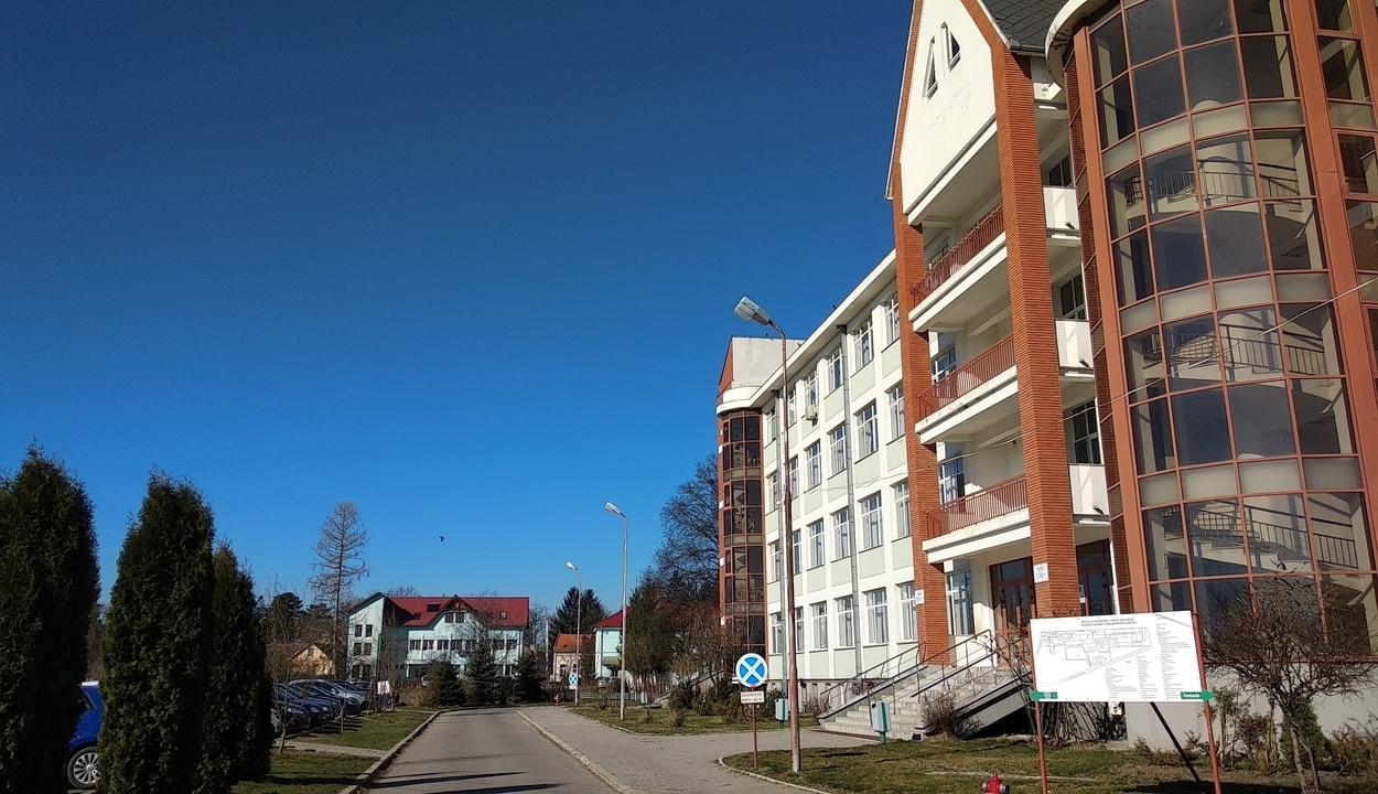 Jelentős önkormányzati támogatás a kórháznak